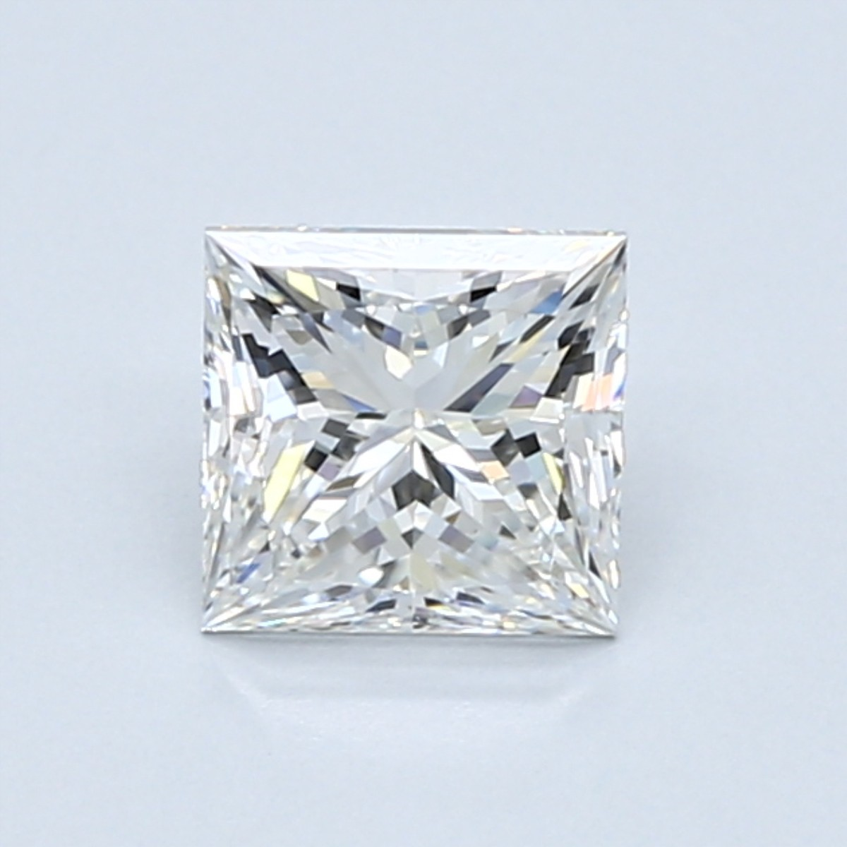 1 carat square princess cut diamond with a length-to-width ratio of 1.00