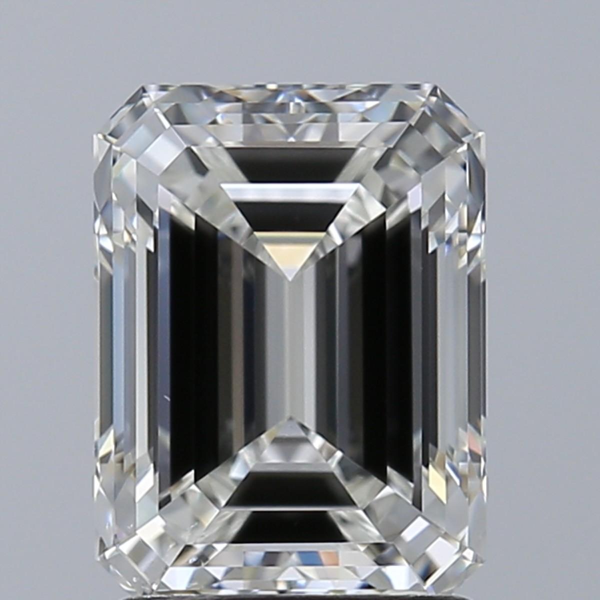Emerald 2.01 Carat G Color VS2 Clarity For Sale