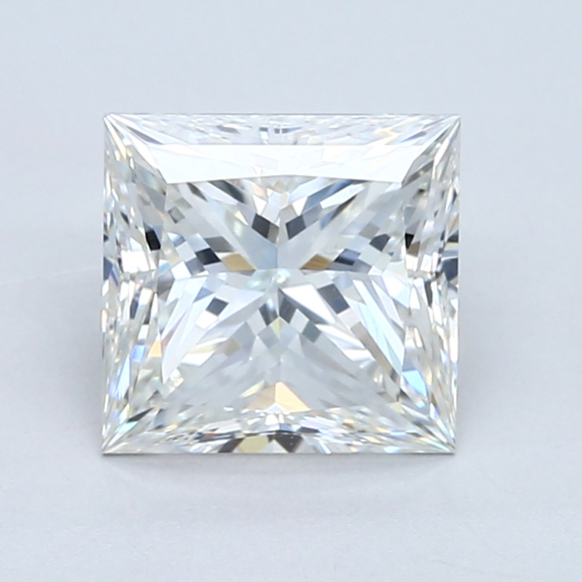 2.5 carat H color princess cut diamond