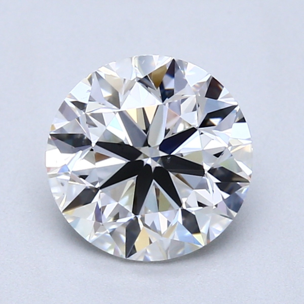 Round 2.0 Carat G Color VS2 Clarity For Sale