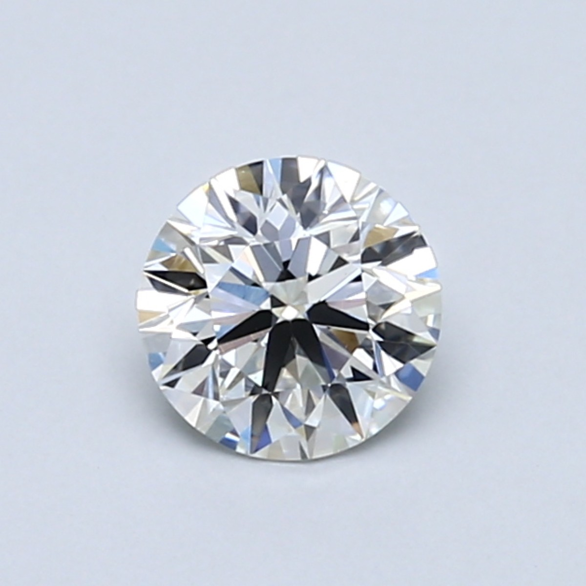 Round 0.7 Carat G Color VS2 Clarity For Sale